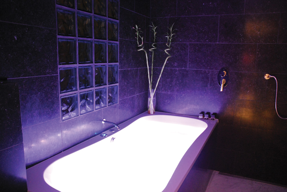 Jacuzzi With Mood Lights